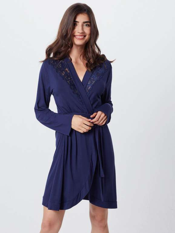 Hunkemöller Morgenmantel 'Robe Modal Lace' in dunkelblau für 26,91€ inkl. VSK (statt 42€)