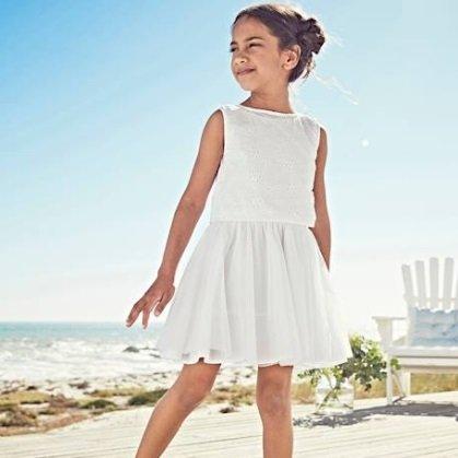 Vertbaudet Sale: Bis zu 70% Rabatt +VSKfrei, z.B. festliches Mädchen-Kleid für 13,49€