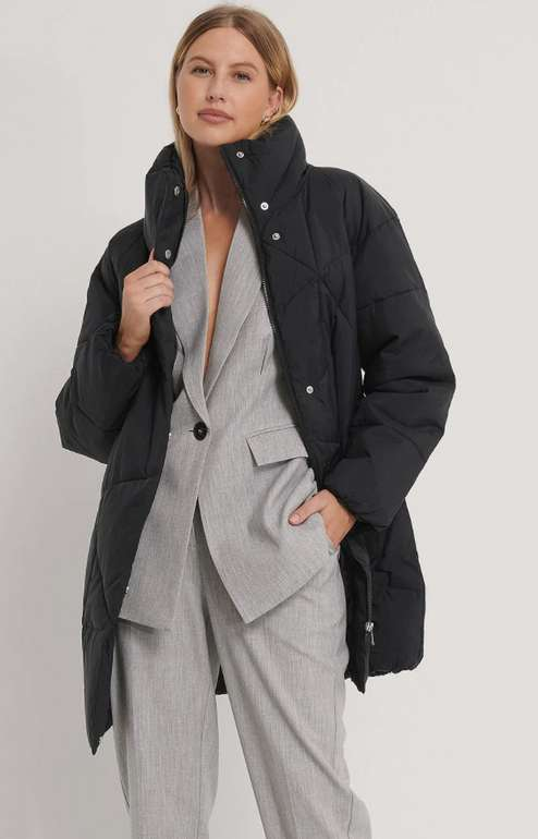 NA-KD Puffer-Damenjacke in Schwarz für 28,33€inkl. Versand (statt 40€)