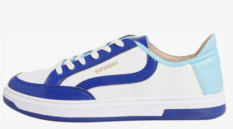Superdry Herren Sportschuh in blau/weiß für 29,90€ inkl. Versand (statt 50€)
