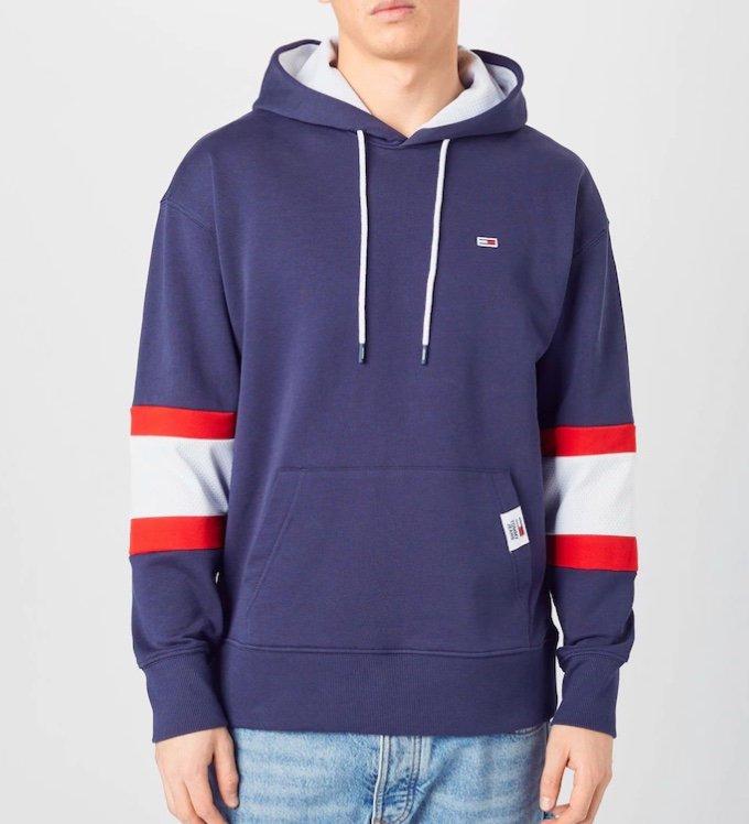 Tommy Jeans Herren Hoodie in navy / hellrot / weiß für 39,90€ inkl. Versand (statt 60€)