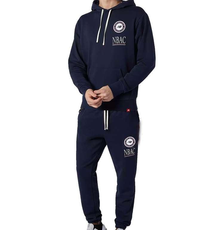 New Balance Jogginganzug Essentials Athletic Club für 64,95€ inkl. Versand (statt 80€)