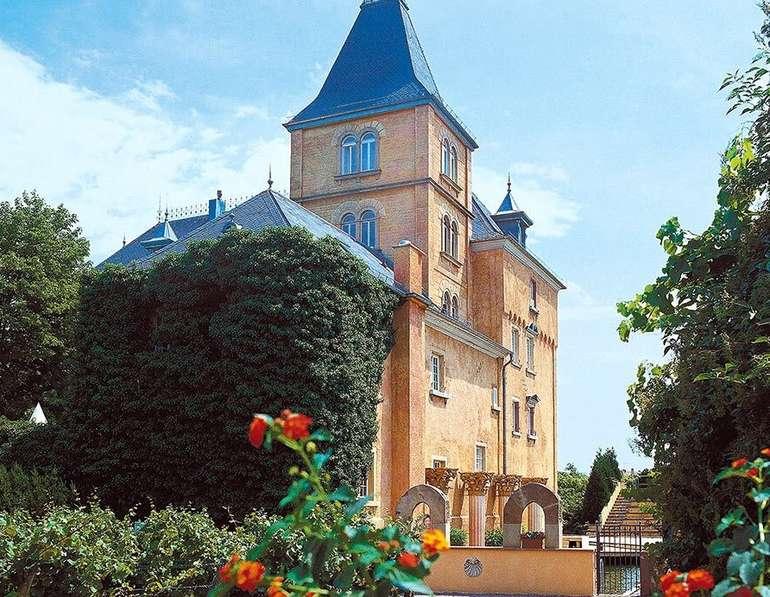Pfälzer Wald: 2ÜN/F im 4* Hotel Schloss Edesheim inkl. 3-Gang-Menü ab 149€ p.P.