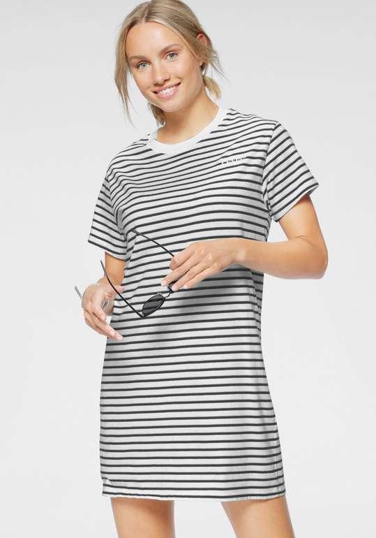 "Levi's Jerseykleid ""Serif Lula Tee Dress"" für 30,94€ inkl. Versand (statt 48€)"