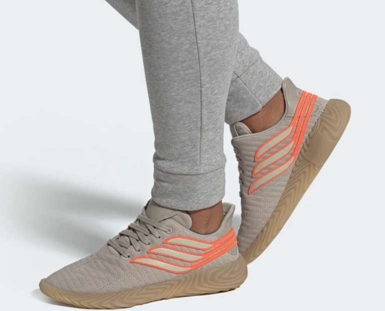 adidas Sobakov Damen Sneaker für 57,58€inkl. Versand (statt 72€)