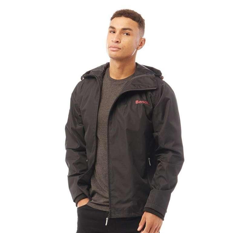Bench Herren Turgeon Jacke in schwarz mit rotem Logo Print für 40,84€inkl. Versand (statt 60€)