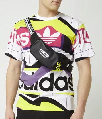 Adidas Originals Bauchtasche mit Logo-Details in Schwarz ab 10,49€inkl. Versand (statt 19€)