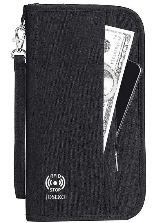 Joseko Reisepass Tasche mit RFID-Blocker für 12,99€ inkl. Prime Versand (statt 20€)