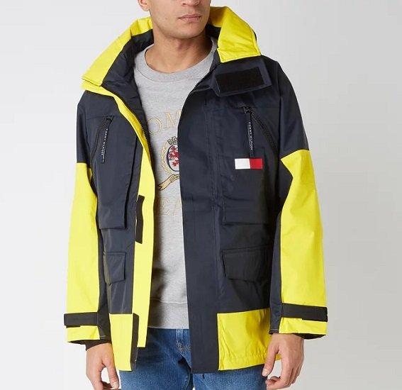 Tommy Hilfiger Segeljacke mit herausnehmbarer Kapuze für 209,99€ (statt 282€)
