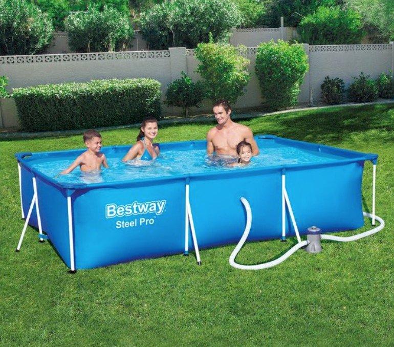 Bestway Steel Pro Frame Pool Set inkl. Wasserpumpe (ca. 300 x 201 x 66 cm, ca. 3.300 Liter) für 99,99€