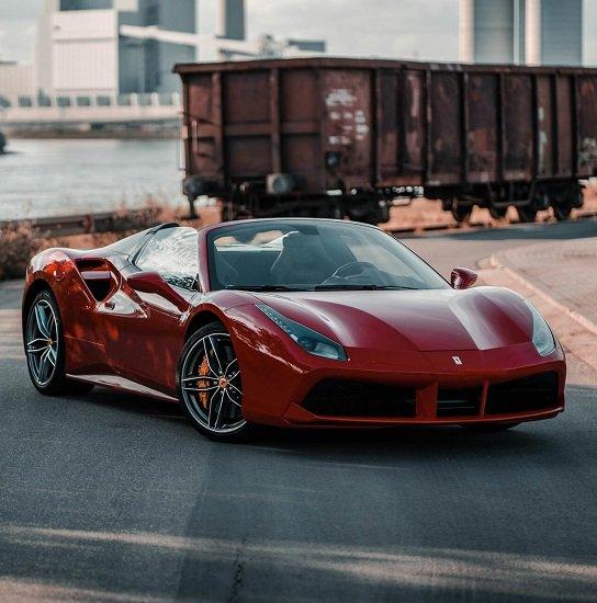 Gutschein: 30 Min. Ferrari 488 Spider Cabriolet selbst fahren für 99,99€