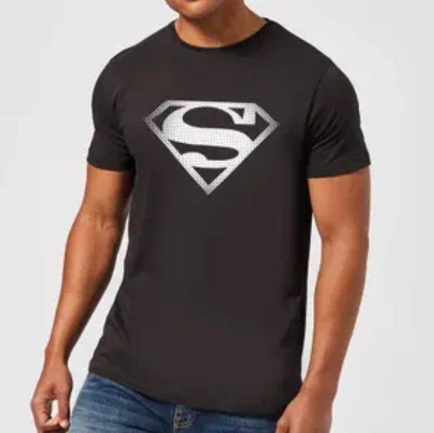 SowasWillIchAuch: 2 DC Comics T-Shirts + Tasse (versch. Motive) für 19,99€ inkl. Versand (statt 30€)