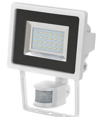 Brennenstuhl LED Strahler mit Bewegungsmelder für je 24,99€ (statt 29€)