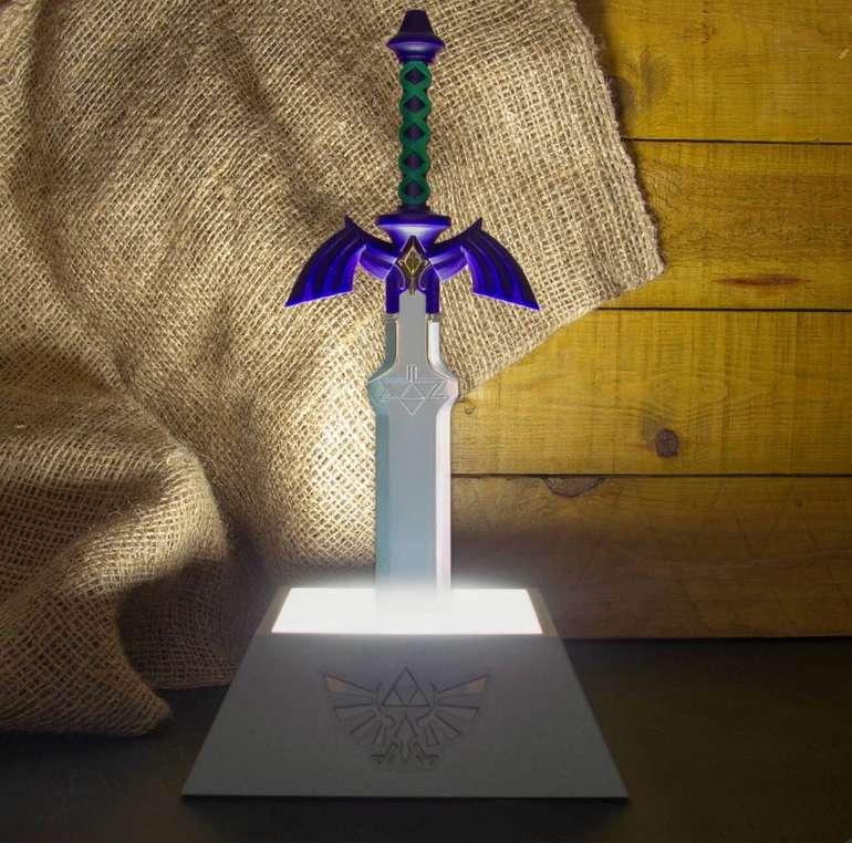 Zelda Fan Paket bestehend aus: Heart Tasse, Glas und Masters Sword Lampe für 38,48€ (statt 52€)