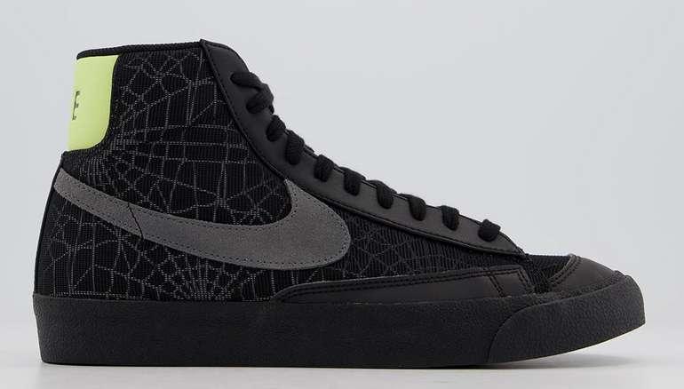 Nike Blazer Mid 77 in Black Smoke Grey/Limelight für 65€ inkl. Versand (statt 90€)