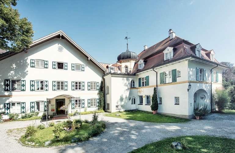 Starnberger See: 2 ÜN im 4* Schlossgut Oberambach Biohotel (Frühstück, Massage, Wellness) für 109€ p.P