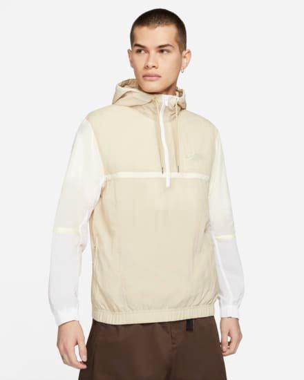 Nike Sportswear Herren-Webjacke ohne Futter mit Kapuze für 59,49€ inkl. Versand (statt 71€) - Nike Member!